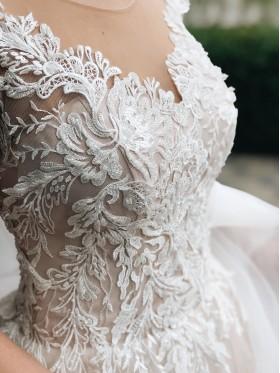 Свадебное платье  пышное S003